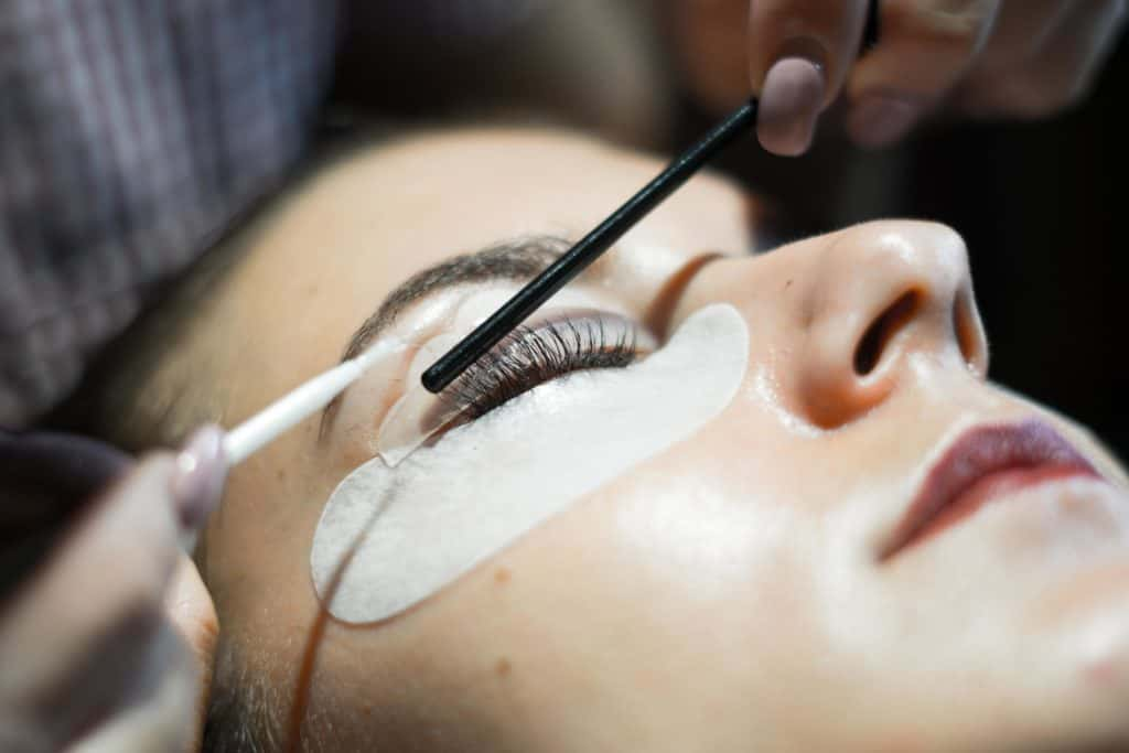 LASH LIFT VS LASH EXTENSIONS 4